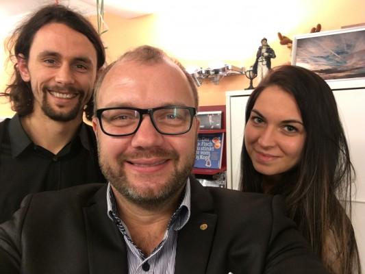 Neven Subotic, Michael Ehlers und Shari Malzahn wärend eines Rhetoriktrainings für die Neven Subotic Stiftung in Bamberg